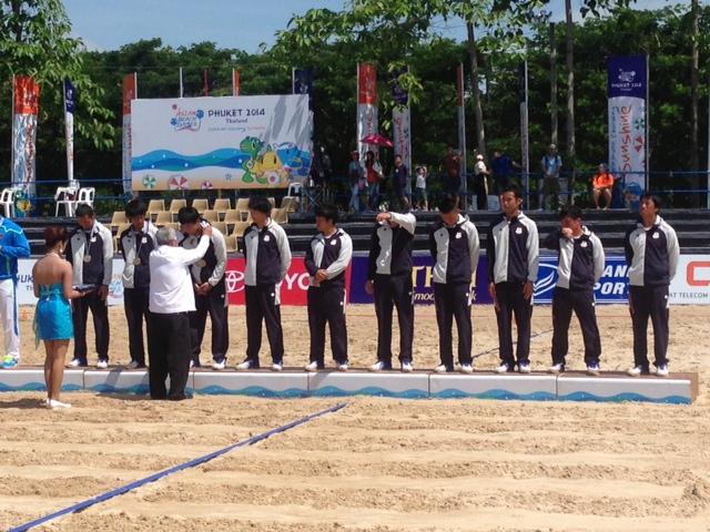 ビーチフラッグフットボール、地元タイが初代アジア王座を獲得